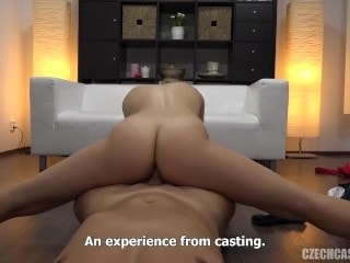 Casting porno a checa rubia hermosa